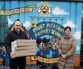 James Cash Managing Director Superfast IT and Mrs Helen Robinson Head Teacher at Mount Pleasant Primary School